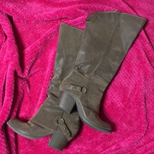 Fergie Brown Heeled Boots